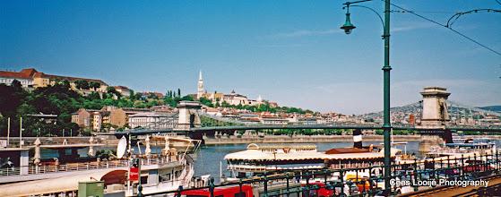 Photo: 15 mei. Boedapest. Gezicht over de Donau en omgeving.