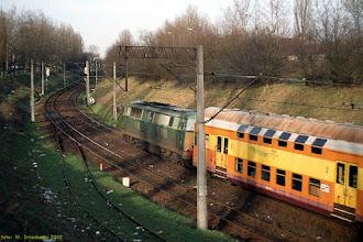 """Photo: SU45-185, Toruń Główny - Sierpc {Toruń, """"wąwóz kolejowy""""; 2002-03-11}"""