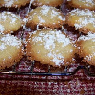 Pretty Aspen Snowflake Potato Chip Cookies
