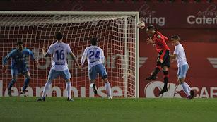 Raillo marca el primero para el Real Mallorca.
