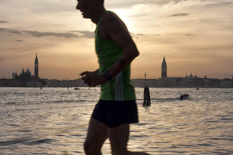 Jogging al tramonto di Cho