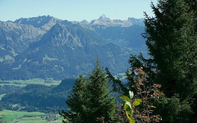 Blick vom Gipfel des Wannenkopfes Hochvogel Nebelhorn Schneck Allgäu