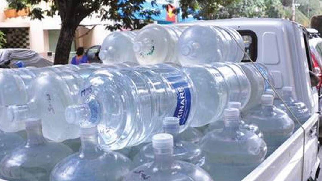 f12f5da1b3af Hot Server (Packged Drinking Water Mineral Water Kinley Bisleri ...