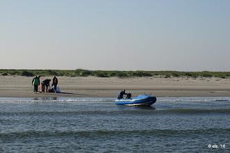 Photo: Aanlanden vanaf zee