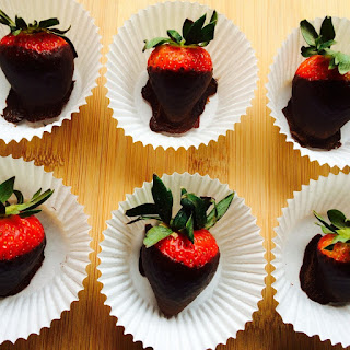 Healthy Chocolate-Covered Strawberries