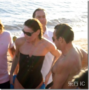 French President Nicolas Sarkozy and new girlfriend former model turned singer Carla Bruni sighting enjoying beach time in Luxor in Egypt during their holiday.<br />Luxor, Egypt, December 29, 2007 *** Local Caption *** BYLINE MUST BE CREDITED KCS PRESSE!!!