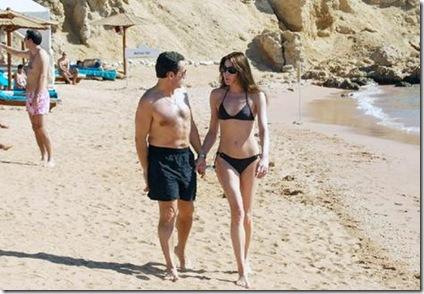 nicolas sarkozy and bikini-clad girlfriend carla bruni at luxor beach