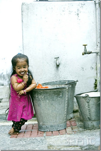 world smallest girl Jyoti Amge photo picture3