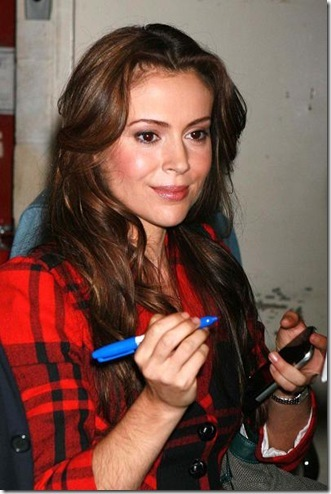 Alyssa Milano Showing Hairy Hand