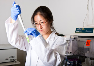 Photo: Wonjin is synthesizing gold nanorods for biofilm disinfection research. Photo taken by Evan Rosen