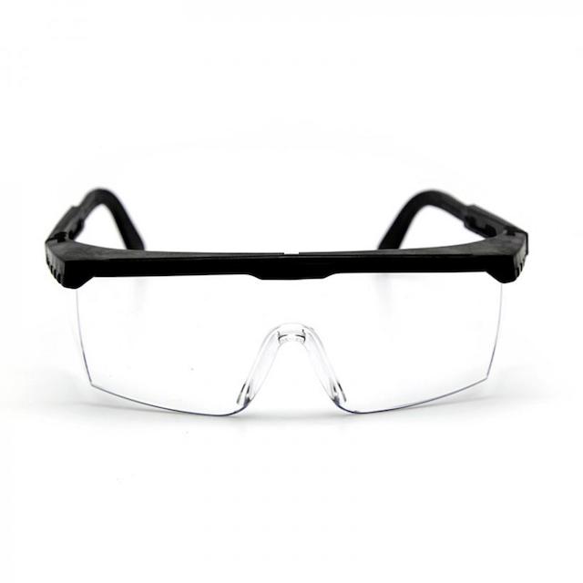 Kính bảo hộ giúp bảo vệ mắt hiệu quả