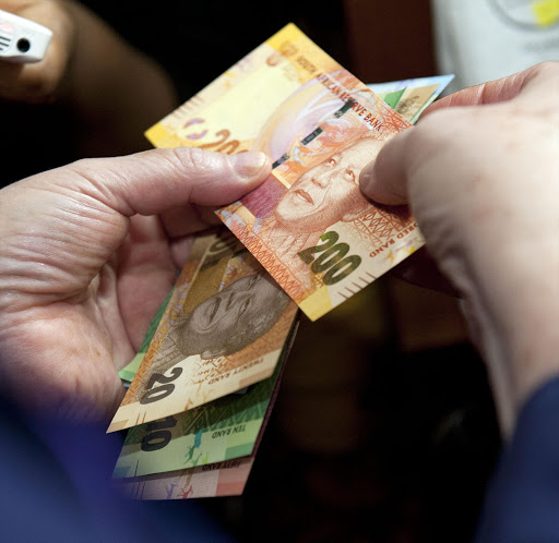 Rands notes. File photo.