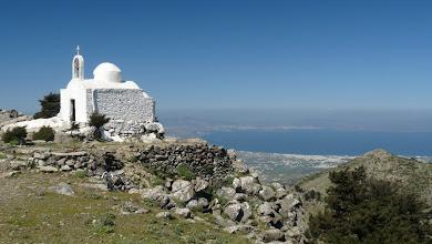Photo: Top of M. Dikeos, Kos. Chiesetta in cima al Monte Dikeos, Kos