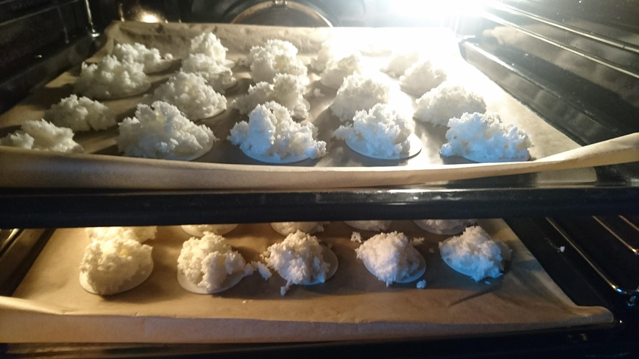 Kokosmakronen Weihnachtsbäckerei