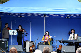 Photo: Beth Porter & The Availables © Priston Festival 2011