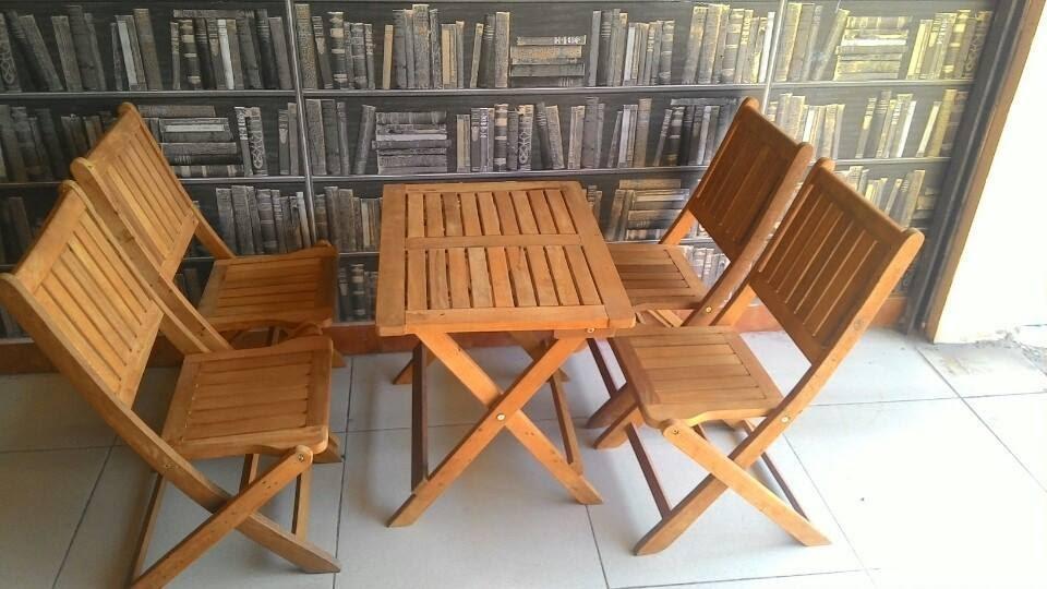 Kết quả hình ảnh cho bàn ghế gỗ vuông quán cà phê