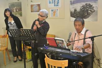 Photo: Malgré ses 95 ans elle chante très bien