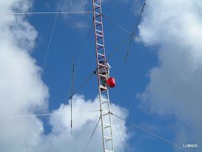 Photo: Noah K2NG poniendo una 4ta antena