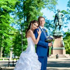 Wedding photographer Yuriy Kuzakov (Omchak80). Photo of 08.10.2014