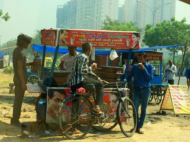 Hawkers and street vendors in India say they face routine harassment at the hands of the police, local thugs, politicians or municipal authorities. Credit: Neeta Lal/IPS