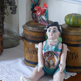MUÑECA ANTIGUA by Jose Mata - Artistic Objects Other Objects