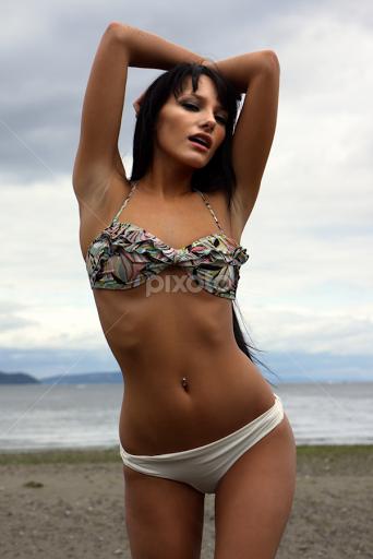 latina small ass