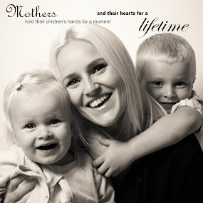 Mothers hold their childrens hands for a moment and their hearts for a lifetime by Vix Paine - Typography Captioned Photos ( love, child, mothers, forever, quotes, mother, family, children, mummy, mum,  )