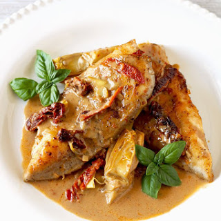 Chicken with Artichokes and Sundried Tomatoes Cream Sauce