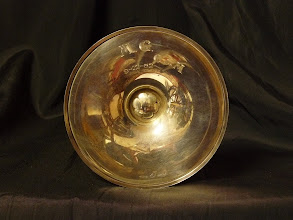Photo: Museo - Detalle base del cáliz: M. G.  O de M 8-12-32