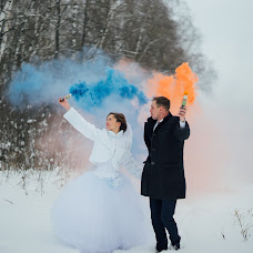 Wedding photographer Vladimir Petrov (VladKirshin). Photo of 14.02.2018