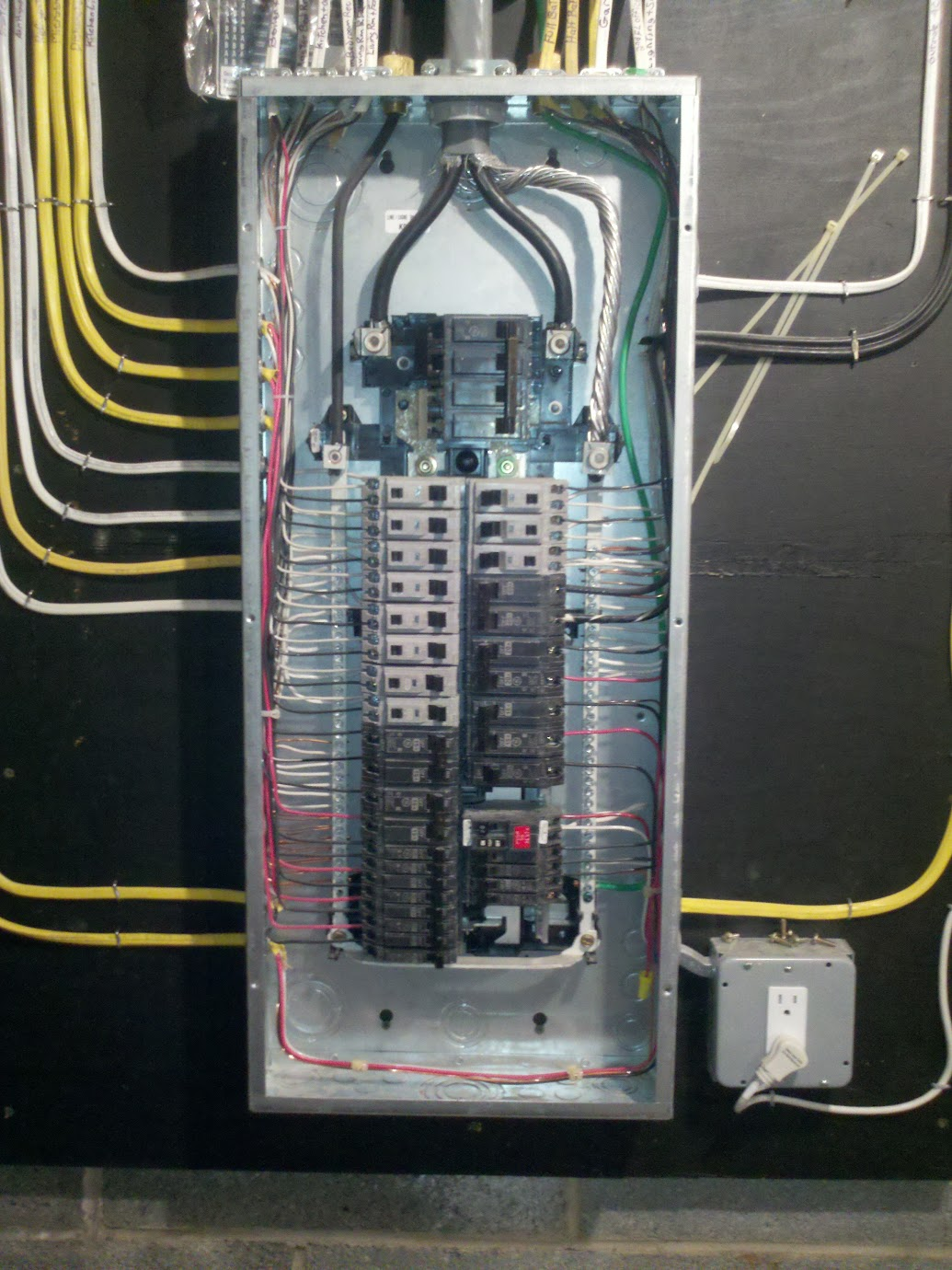 For 200 Amp Breaker Box Wiring Diagram Not Lossing Siemens Panel Tie Bar Internachi Inspection Forum Sub Feed Cable Size
