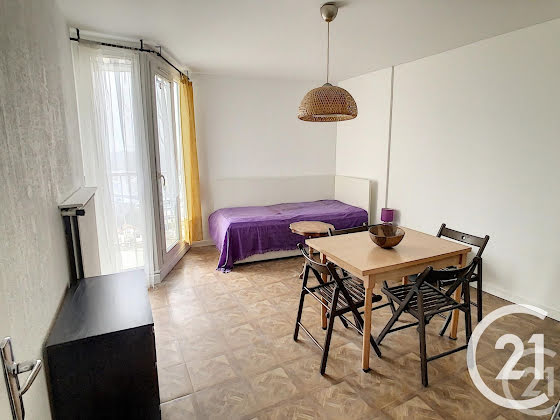 Location studio meublé 29,72 m2