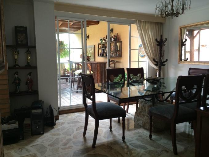 casas en venta loma del escobero 585-2567