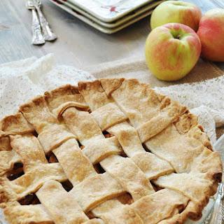 Homemade Apple Cinnamon Pie (With a Flaky Vegan Pie Crust)
