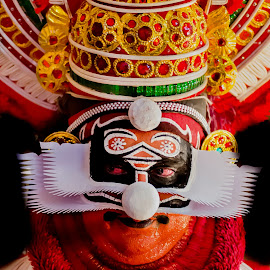 The Face Of The Chronicler-9 by Vijayanand Kandasamy - People Musicians & Entertainers ( face, dance form, kathakali dancer, traditional dance, kerala, painted faces, colours, face colours, colour, kerala traditional dance, tradition, kathakali dance, dance, dancer, kathakali,  )