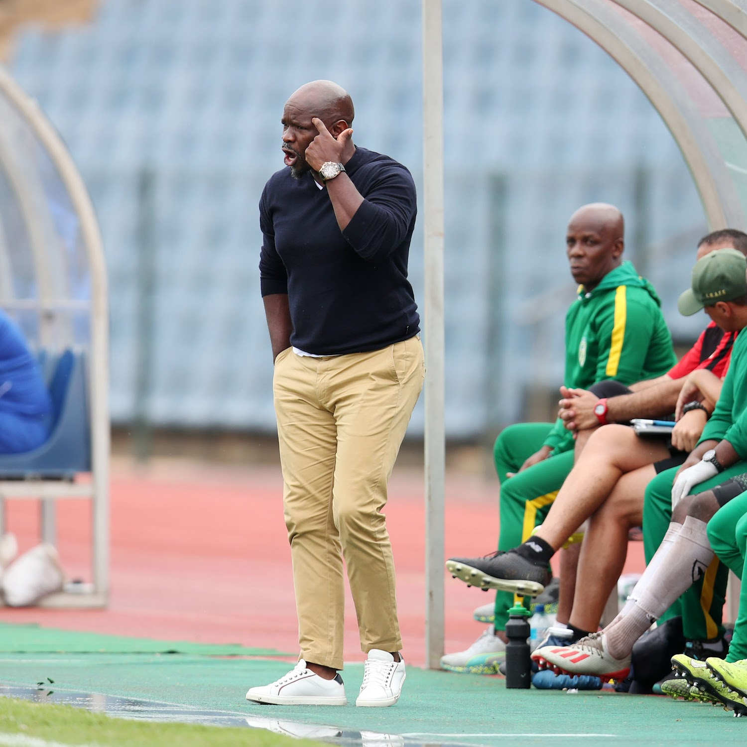 Steve Komphela on the title race: 'It's going to be hot in the kitchen'