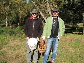 Photo: Zawodowi grzybiarze - przed wyjściem na grzyby już mamy coś w koszyczkach ;-)