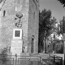 Photo: Monòlit-font a Eduard Toldrà al Castell de la Geltrú