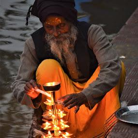 by Praveen Kulshreshtha - People Street & Candids