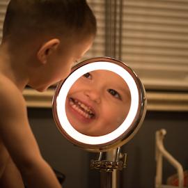 Raiden and Mirrors by Rob & Zet Sample - Babies & Children Child Portraits