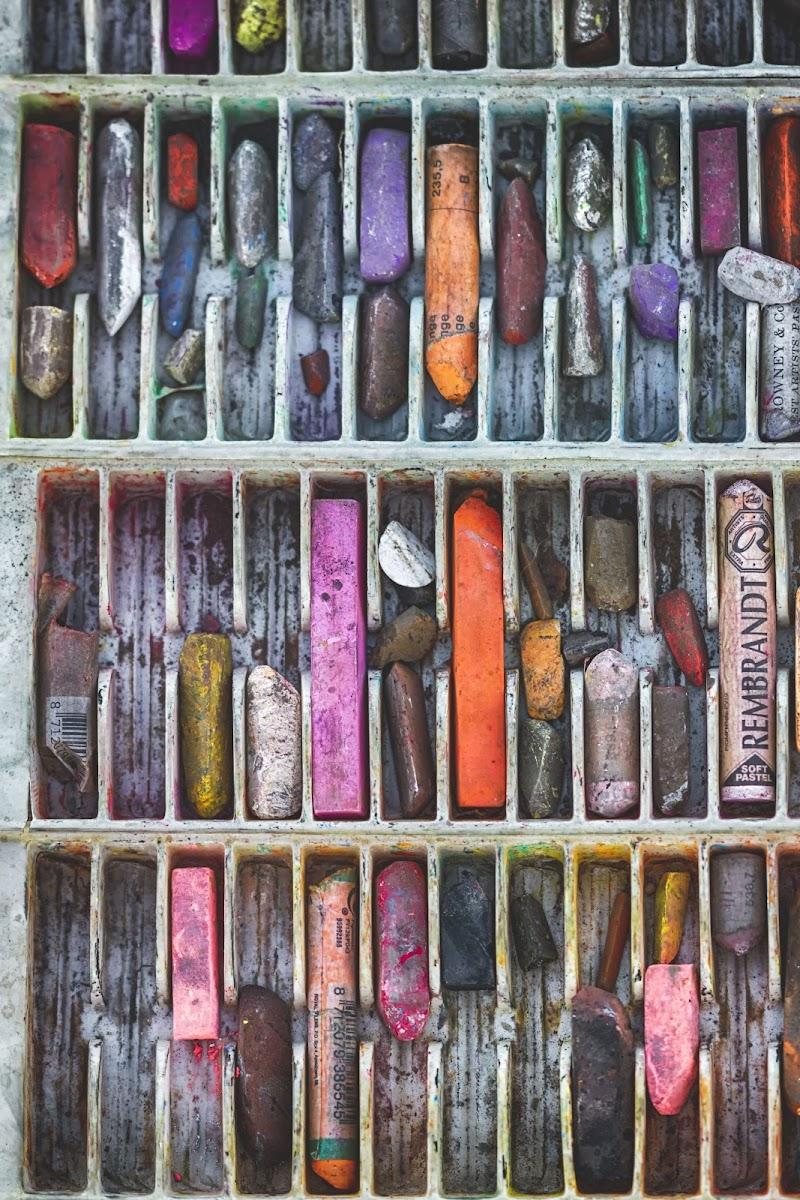 Sento che vi domandate: cosa vuol dire essere un colore? Il colore è il tocco dell'occhio, la musica dei sordi, un grido nel buio | Orhan Pamuk di Alessandro Zaniboni Ph