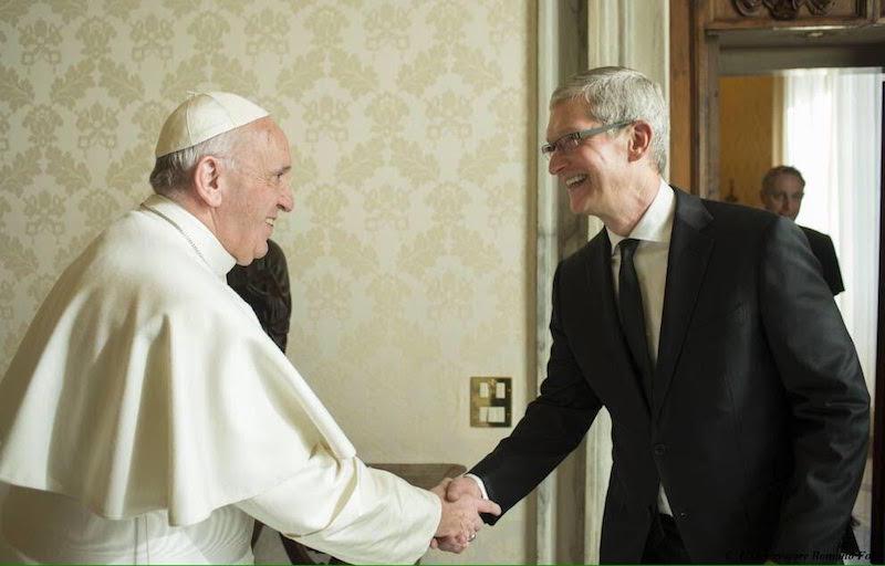 CEO của Apple nói, 'Tôi có cuộc gặp gỡ thú vị nhất trong đời với Đức Giáo hoàng Phanxico.'