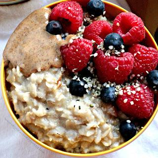 Easy, Sweet, Creamy, Customizable Healthy Oatmeal