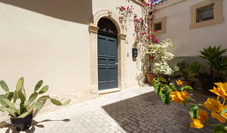 Maison avec terrasse Noto