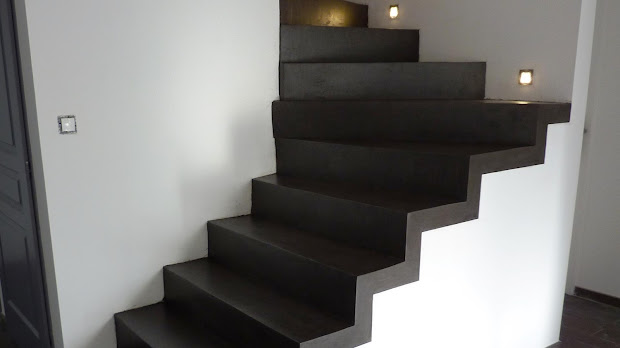escaliers-apres-enduit-en-beton-cire-decoration-design-et-tendance-les-betons-de-clara