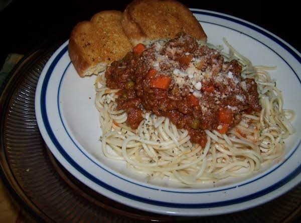 Spaghetti And Meat Sauce W/italian Sausage & Peas And Carrots Recipe