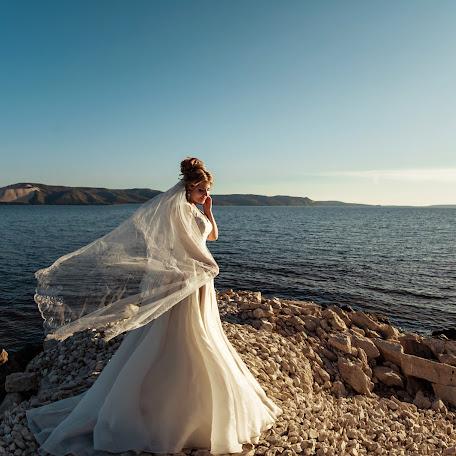 Wedding photographer Natalya Golovan (NataliSNV2007). Photo of 19.10.2017