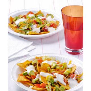 Tacochips Met Salade, Gehakt, Tomaat, Kaas En Lente-uitjes