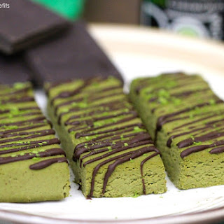 Healthy Matcha Green Tea Fudge Protein Bars (low sugar, low fat, gluten free, vegan).