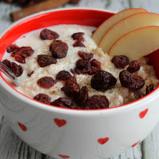 Apple Cranberry Oatmeal Smoothie Bowl.